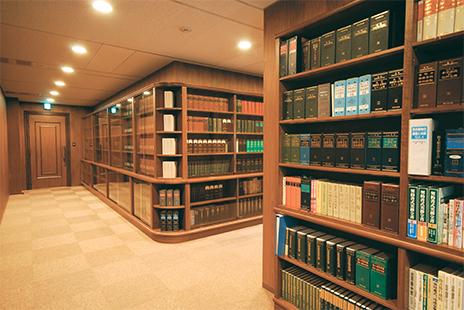朝日中央綜合法律事務所の廊下